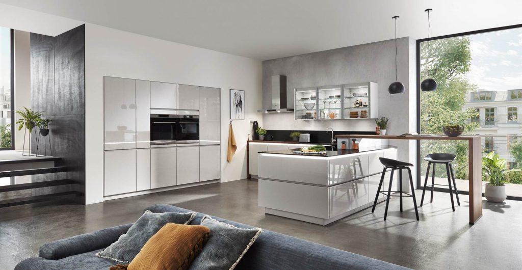 Lux minimalistische keuken, hoogglans grijs