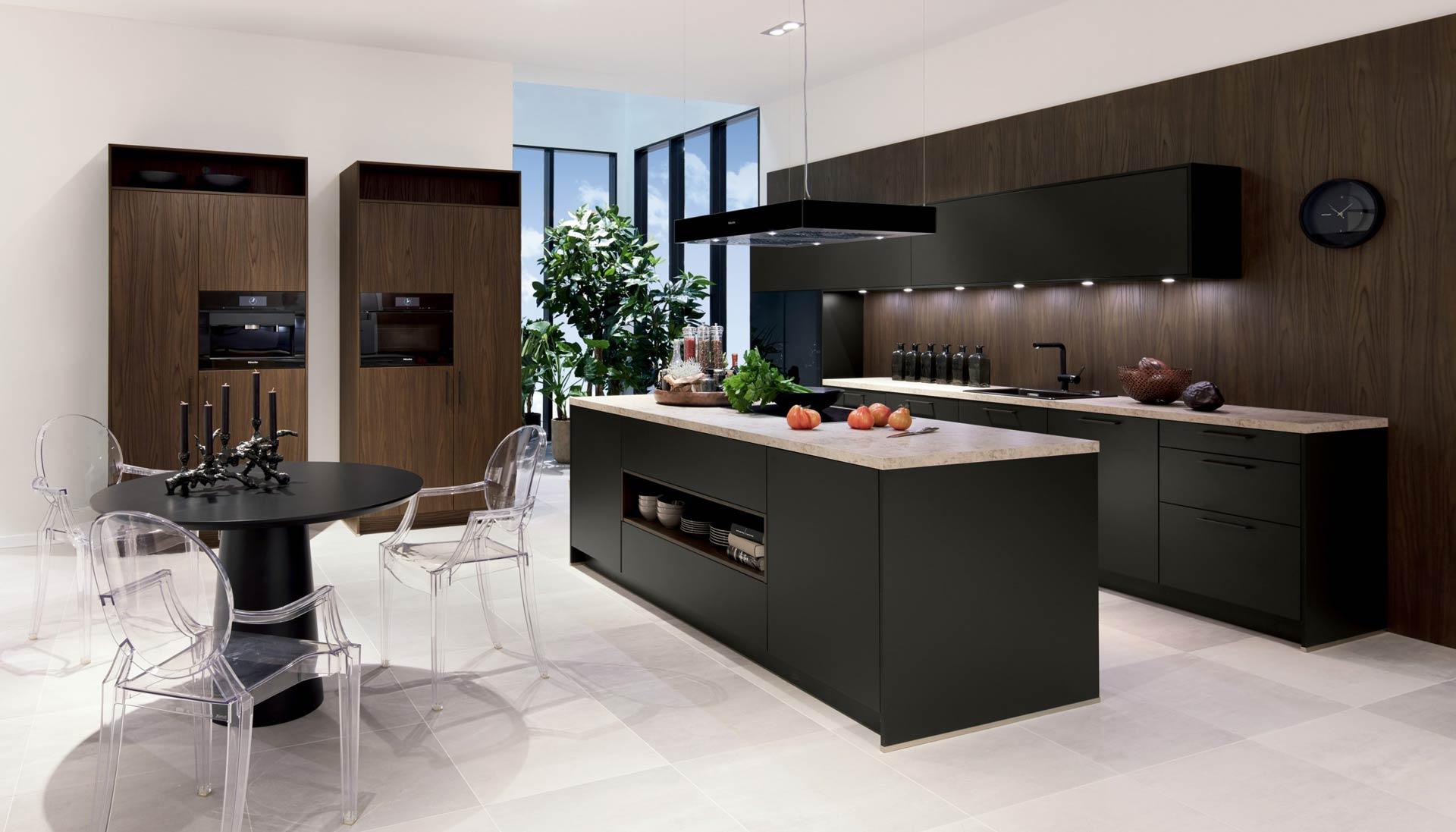 Havanner zwart met sherwood donkerbruine keuken